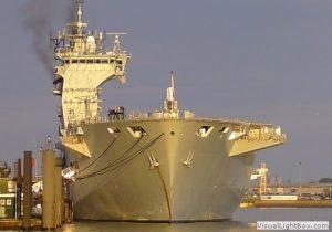 Flugzeugträger HMS Ocean der Royal Navy
