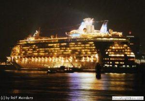 Freedom of the Seas (339m)