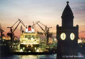 Queen Mary 2 im Trockentock