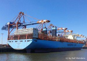 Marchen Maersk (399m x 59m) mit 18270 TEU