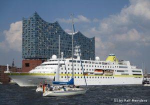 Kreuzfahrtschiff Hamburg (144m x 21,5m)
