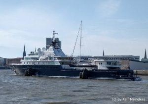 Privatyacht Le Grand Bleu (113m x 20m)
