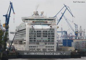Kreuzfahrtschiff Azura (290m)